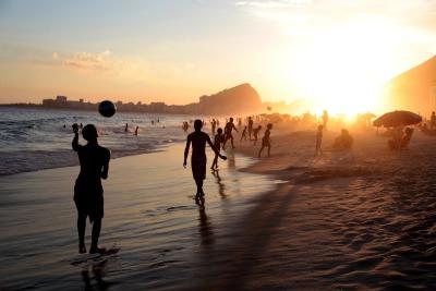 10 Tage Südosten, Brasilien, Die Copacabana ist ein bekannter Stadtteil und hat einen 4 km langen S