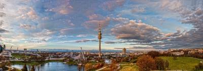 Kurzurlaub München (Stadt), Bayern, Deutschland, Im Olympiapark von 1972 finden heute zahlreiche kulturelle, religiöse