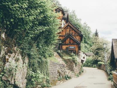 Kurztrip Hallstatt (Stadt), Oberösterreich, Österreich, Die Gässchen von Hallstatt laden zum Träumen ein