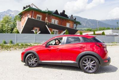 """Kurzurlaub Natters (Stadt), Nordtirol, Österreich, In Terfens haben wir beim """"Haus steht Kopf"""" Halt gemacht. Das Haus bie"""