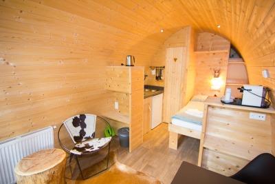Kurzurlaub Natters (Stadt), Nordtirol, Österreich, So sieht das Baumhaus von innen aus. Total gemütlich und cool eingeri