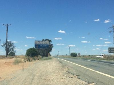 Langzeiturlaub Australien, Australien, Endlich die Grenze von NSW erreicht nach 3/4 Tagen Fahrt