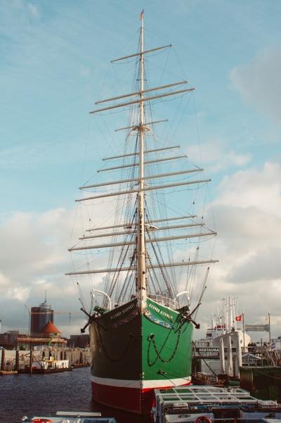 Kurzurlaub Hamburg, Deutschland, Die Rickmer Rickmers ist ein 122 Jahre altes Vollschiff, das schon um