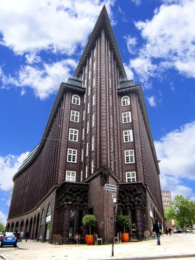 Kurztrip Hamburg, Deutschland, Das Chilehaus wurde 1924 fertiggestellt und erinnert stark an einen Sc