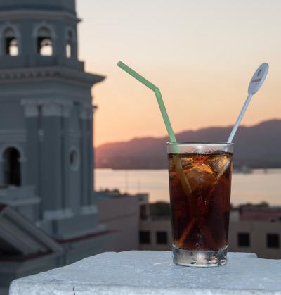 Kurztrip Karibische Küste / Süden, Kuba, Ein herrlicher Sonnenuntergang, Karibikstimmung und einen Cuba Libre i