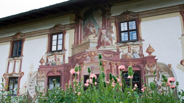 Kurztrip Oberammergau (Stadt), Bayern, Deutschland, Der Ort Oberammergau ist für die Passionsspiele und auch die Lüftlma