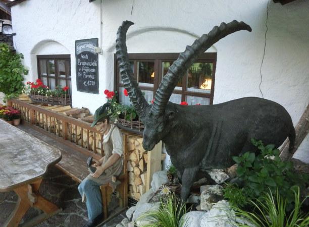 Kurzurlaub Oberammergau (Stadt), Bayern, Deutschland, Hungrig? Mein Tipp ist das Gasthaus Schleifmühle für klassisch bayer