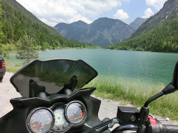 Kurztrip Oberammergau (Stadt), Bayern, Deutschland, Die Gegend rund um die Ammergauer Alpen ist ideal für Motorradausflü