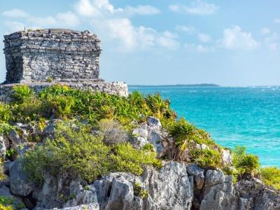 2 Wochen Halbinsel Yucatán, Mexiko, Die Maya Ruinen Tulum in unmittelbarer Strandlage auf einer Klippe mit