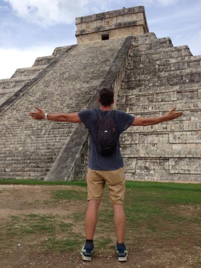 Zwei Wochen Halbinsel Yucatán, Mexiko, Der überwältigende Anblick auf El Castillo ist einzigartig. Die Burg