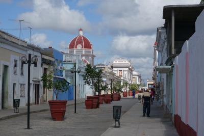 Zwei Wochen Kuba, Kuba, Das Stadtzentrum von Cienfuegos ist überschaubar und kann gemütlich