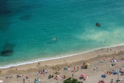 Langzeiturlaub Côte d'Azur, Frankreich, Seit 1860 wird jeden Tag um 12 Uhr mittags eine Kanone in der Nähe de