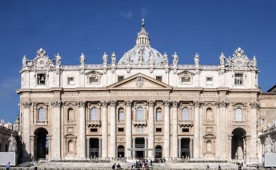 Kurztrip Latium, Italien, Der Petersdom ist eine der sieben Pilgerkirchen in Rom und gleichzeiti