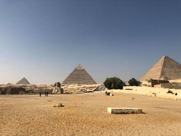 Kurzurlaub Kairo, Ägypten, Pyramiden von Gizeh, rechts die Cheops-Pyramide