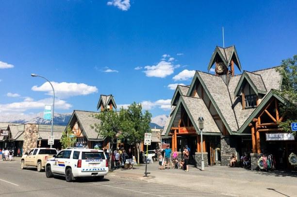 Kurzurlaub Jasper (Stadt), Alberta, Kanada, Auch die Stadt Jasper macht einiges her - besonders zu empfehlen ist d
