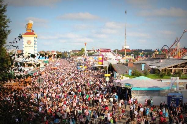 Kurztrip München (Stadt), Bayern, Deutschland, Das Oktoberfest ist das größte Volksfest der Welt und findet jedes J