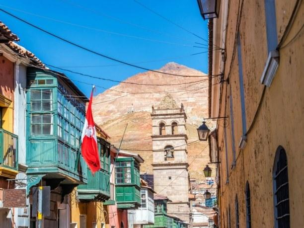Langzeiturlaub Bolivien, Bolivien, Die Stadt Potosí ist berühmt für den Berg Cerro Rico, wo schon zu Z