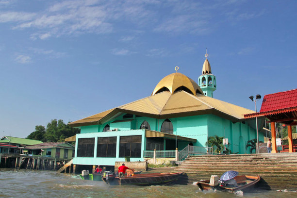 Kurztrip Bandar Seri Begawan (Stadt), Brunei, Brunei, Stelzendorf