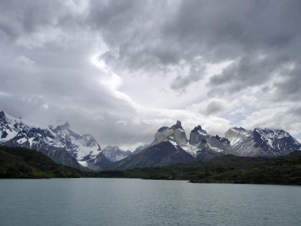 Kurztrip Patagonien, Chile, Mit dem Katamaran geht es von der Paine Grande Lodge über den Lago Pe