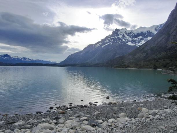 Kurzurlaub Patagonien, Chile, Am nächsten Morgen präsentiert sich der Torres del Paine noch recht