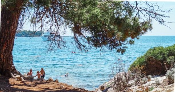 Langzeiturlaub Nizza (Stadt), Côte d'Azur, Frankreich, Die Insel Sainte-Marguerite direkt vor Cannes ist mit dem Ausflugsboot