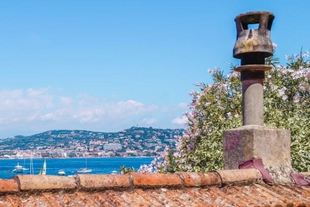 Langzeiturlaub Nizza (Stadt), Côte d'Azur, Frankreich, Ein Blick auf Cannes von der Insel Sainte Marguerite aus fotografiert