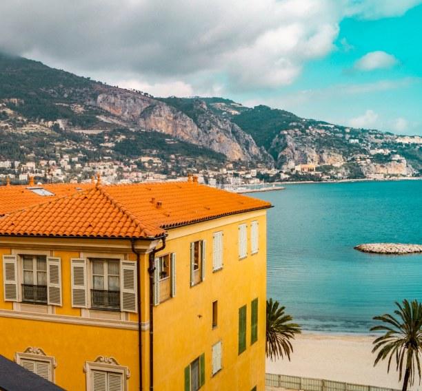 1 Woche Nizza (Stadt), Côte d'Azur, Frankreich, Wäre es nicht so kalt, würde ich sofort in die klaren Fluten springe