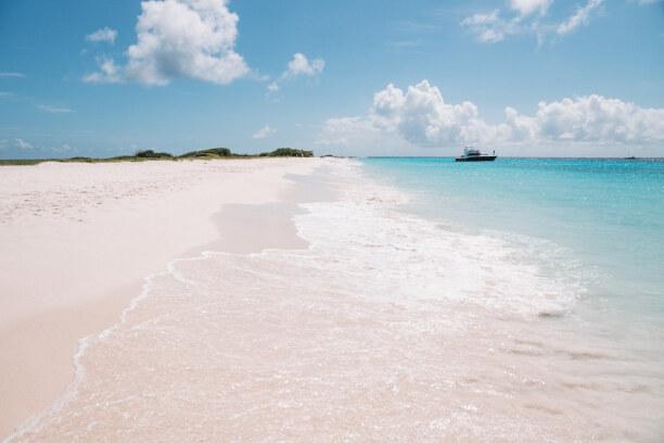 Eine Woche Curaçao, Curaçao, Klein Curacao ist eine komplett unbewohnte Insel vor der Ostküste von
