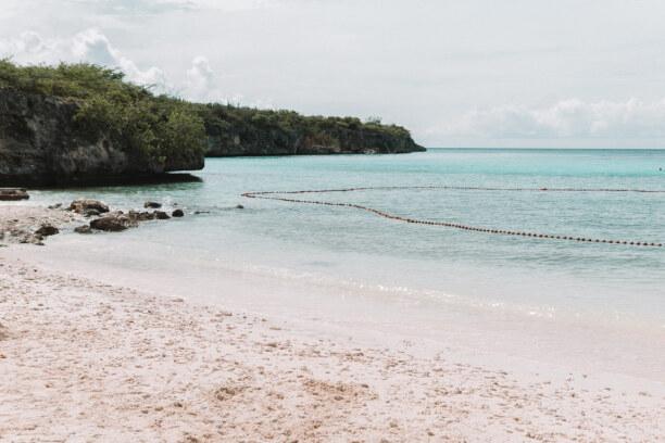 1 Woche Curaçao, Curaçao, Der Strand 'Kleine Knip' ist ähnlich schön wie die 'Grote Knip'. Lei