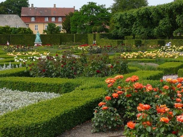 Kurzurlaub Kopenhagen, Dänemark, Das Schloss Rosenborg ist umgeben von einem tollen Park durch den du s