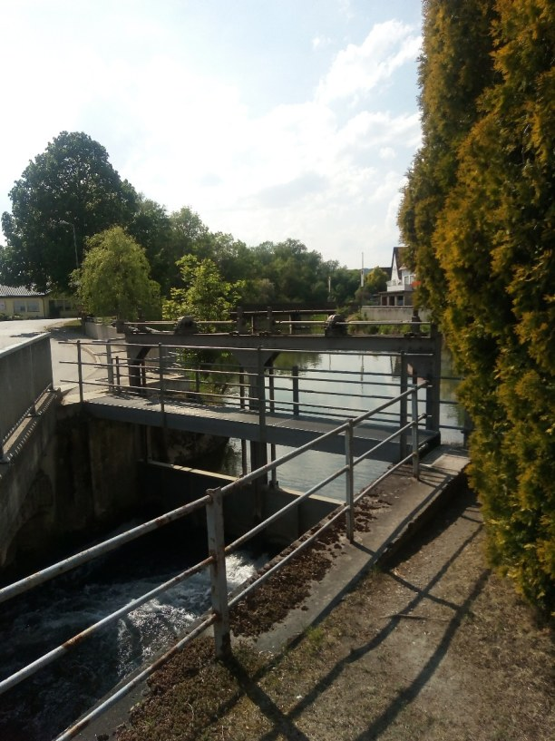 Kurzurlaub Baden-Württemberg, Deutschland, Am Zusammenfluss eines Nebenflusses ( Schwarzach ??)  mit der Donau