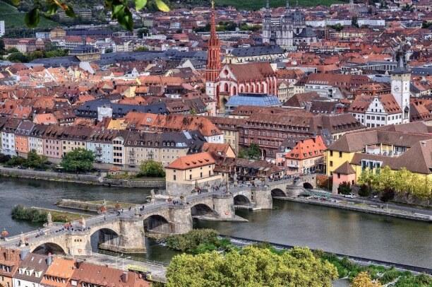 Langzeiturlaub Bayern, Deutschland, Unsere Heimatstadt Würzburg steht für uns natürlich auch mit auf de