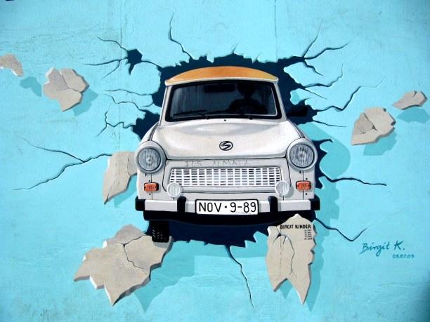 Kurzurlaub Berlin, Deutschland, Nach dem Mauerfall 1989 malten im Frühjahr 1990 118 Künstler aus 21