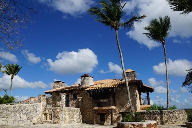 10 Tage Dominikanische Republik, Dominikanische Republik, Das Altos de Chavón ist ein kleines Künstlerdorf, das auf einer Anh