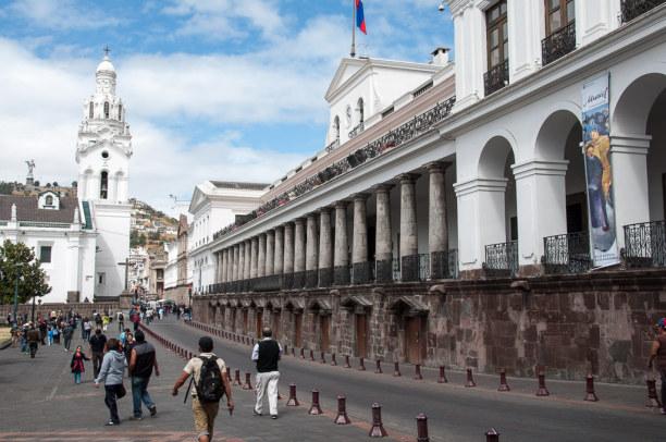 Kurztrip Quito (Stadt), Ecuador, Ecuador, Im historischen Zentrum befinden sich auch die großen Kolonialbauten,