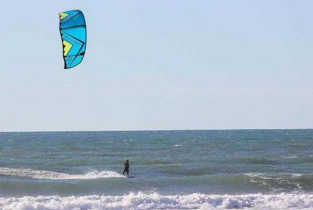 Langzeiturlaub Aquitanien, Frankreich, Natürlich stand später auch eine Runde Kitesurfen am dem Programm un