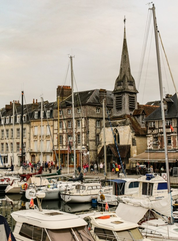 Langzeiturlaub Atlantikküste, Frankreich, Der Hafen von Honfleur - auch bei grauem Wetter einen Besuch wert!