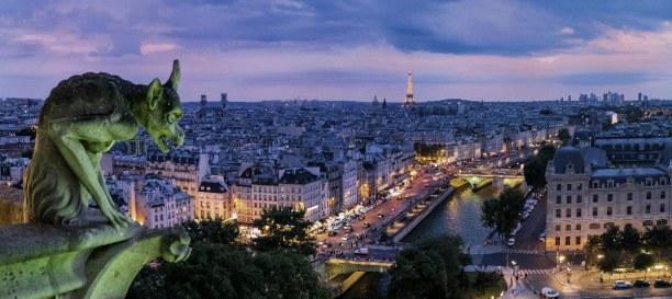 Kurztrip Ile de France, Frankreich, Groteske, wie diese Wasserspeier genannt werden, sollten böse Zauber