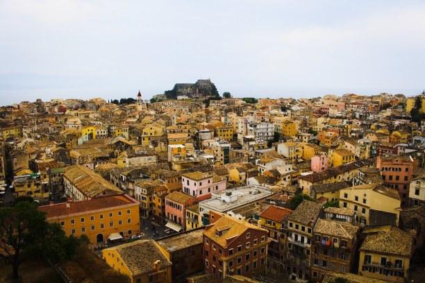 10 Tage Korfu, Griechenland, Korfu Stadt, auch Kerkyra genannt, ist die Hauptstadt Korfus an der Os