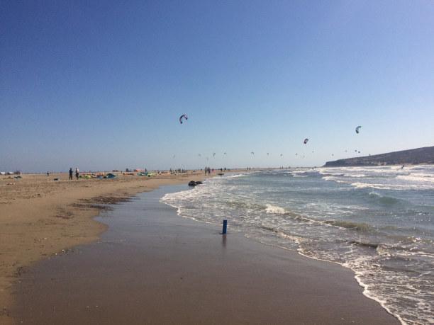 10 Tage Rhodos, Griechenland, An den riesen Strandabschnitt, was auch zu gleich eine riesen Sandbank