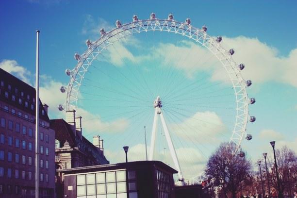 Kurztrip London & Umgebung, Großbritannien, Das London Eye, oder auch Millenium Wheel genannt, ist ein 135m hohes