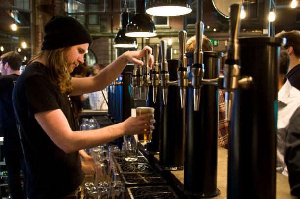 Kurzurlaub Mittel & Nord-England, Großbritannien, Am Abend steht dann noch ein Pub-Besuch an.