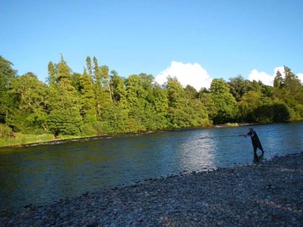 2 Wochen Schottland, Großbritannien, Fliegenfischer River Ness