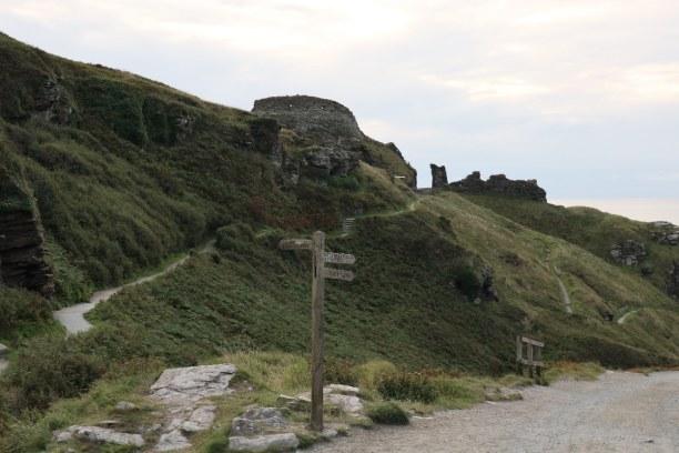 Kurztrip Südengland, Großbritannien, Blick Richtung Tintagel Castle, dem angeblichen Geburtsort von König