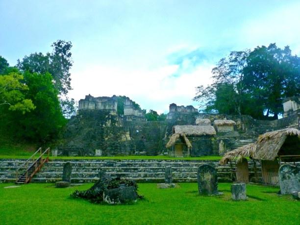 Langzeiturlaub Guatemala, Guatemala, Der Hauptplatz von Tikal