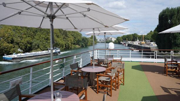 Eine Woche Paris (Stadt), Ile de France, Frankreich, Auf dem Oberdeck erlebt mein die Flussfahrt am eindrucksvollsten...