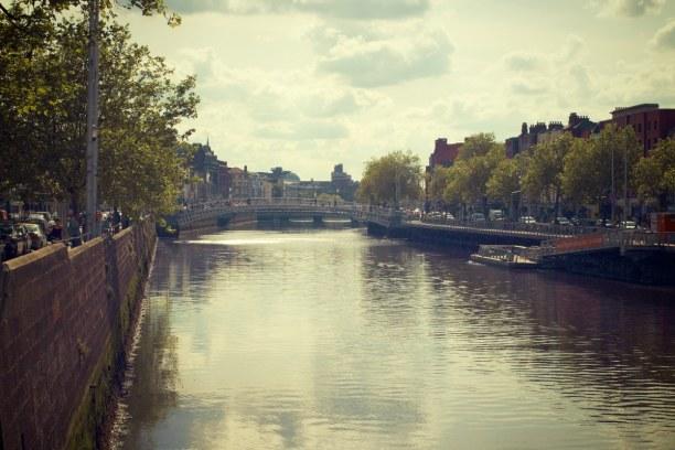 Kurzurlaub Dublin & Umgebung, Irland, Der Fluss, der einmal durch Dublin fließt heißt Liffey.