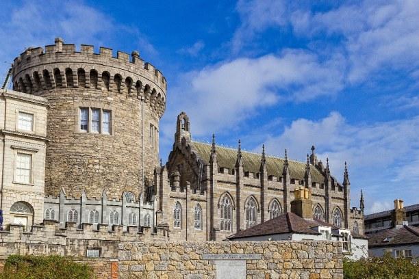 Kurzurlaub Dublin & Umgebung, Irland, Das Dublin Castle steht inmitten der Altstadt.  Früher diente es zeit