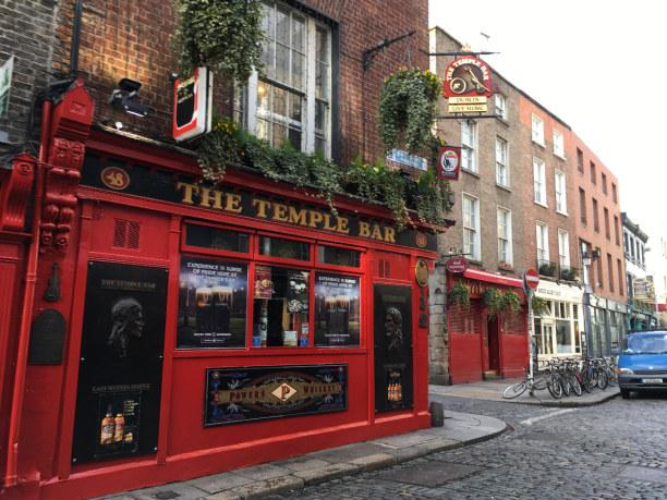 10 Tage Irland, Irland, The Temple Bar - einer der wohl bekanntesten Pubs Dublins, im gleichna