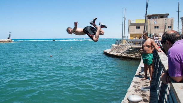 Kurzurlaub Tel Aviv & Umgebung, Israel, Bei einem Spaziergang entlang der Küste kommst Du bis nach Jaffa.